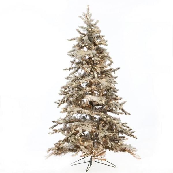 Schneebedeckter Weihnachtsbaum
